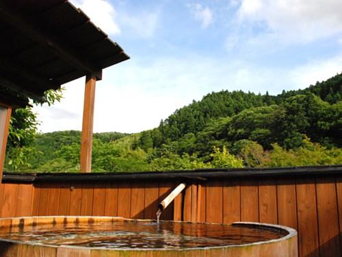 020-貸切露天酒樽の湯.jpg