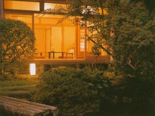 館山荘・庭から-1.jpg
